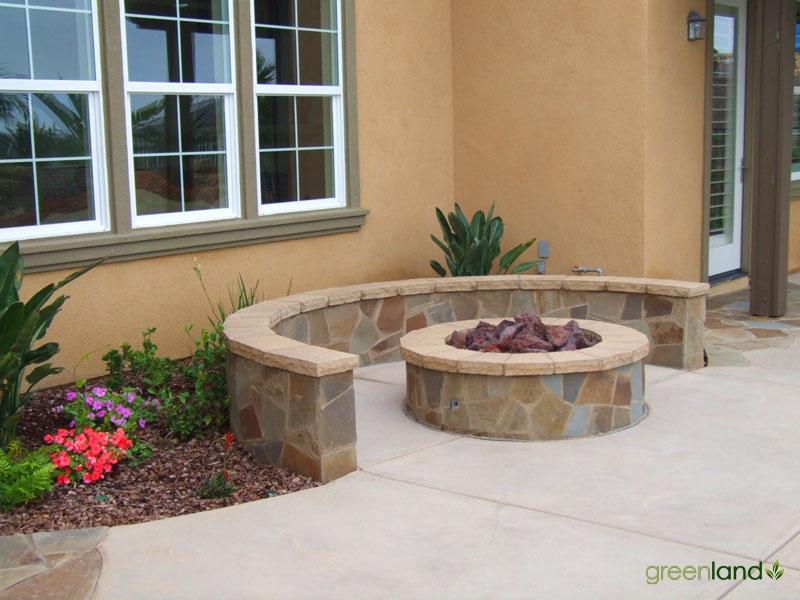 Fire Pit and Built-in Seating