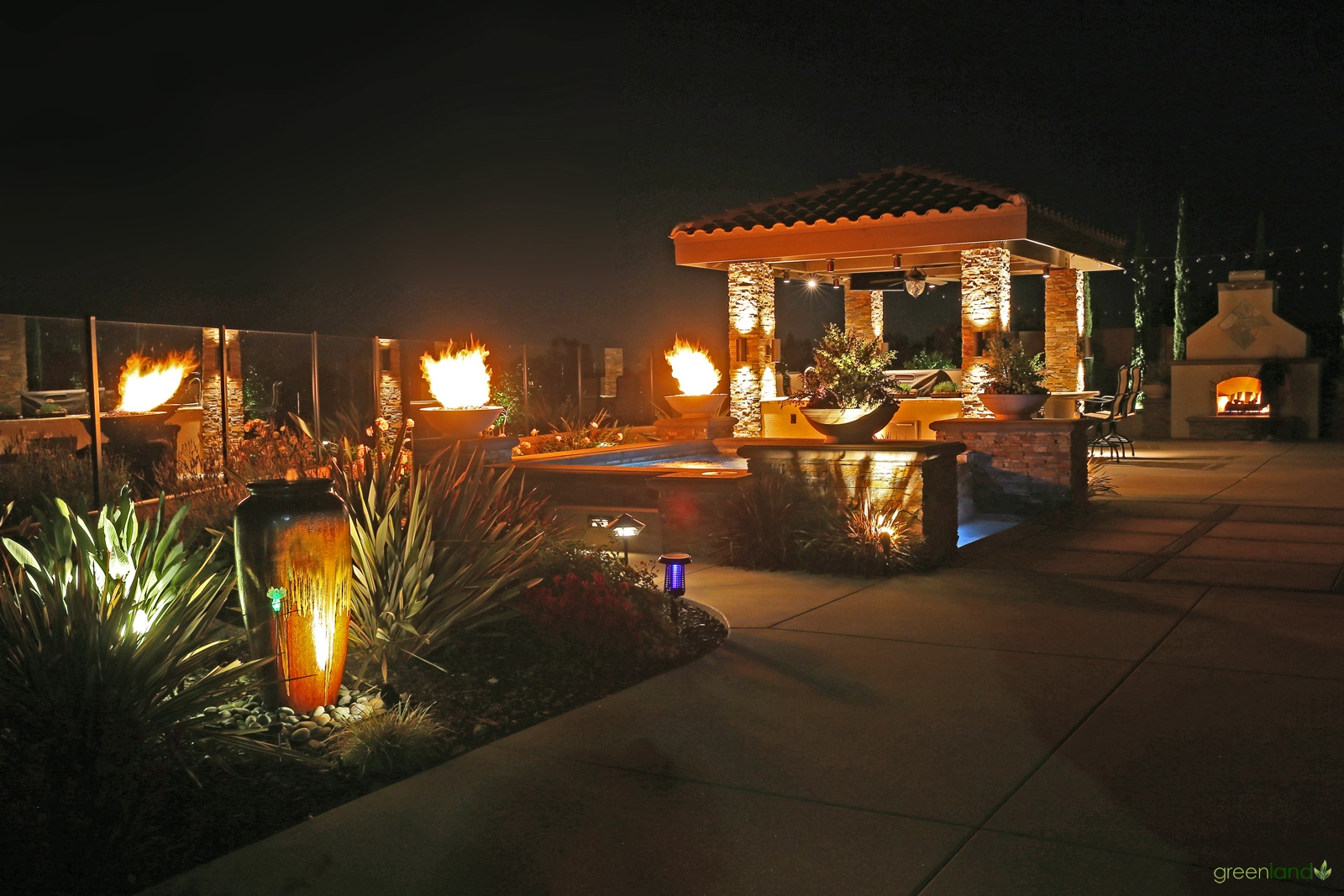 Spa and Outside Kitchen - Night